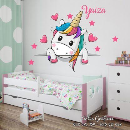 Unicornio cabecero corazones